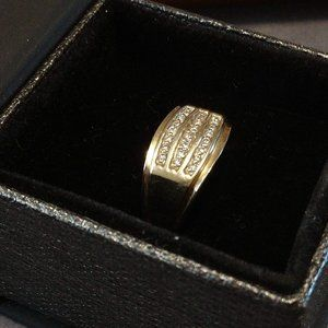 Men's Ring 10K Gold and Diamond Ring Size 12